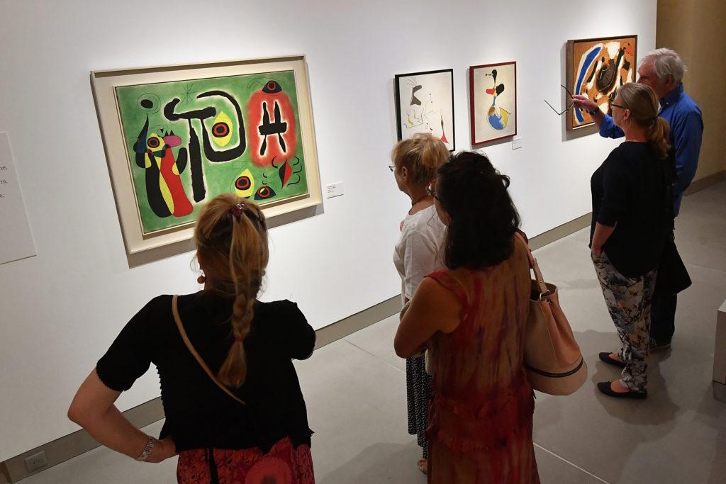 Vue de l'exposition « Miró, les chemins de la poésie ». Le Doyenné, Brioude. 2019